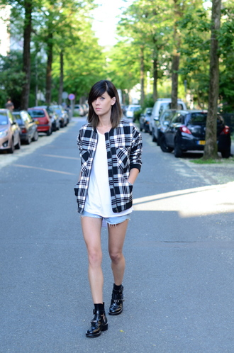 lovely by lucy blogger jacket shirt shorts shoes jewels