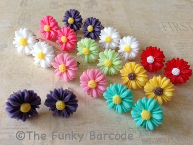 Cute Funky Small Vintage Flower Stud Earrings Girls Quirky Daisy Petal Kitsch | eBay
