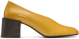 heels yellow shoes