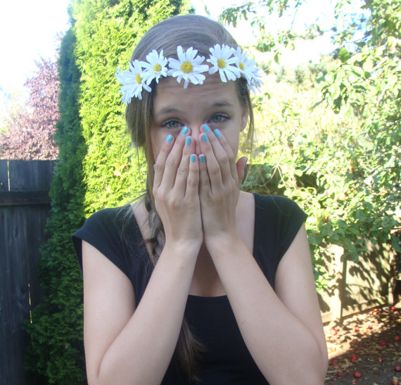 Small White Daisy Flower Crown by BlueOceanCreation on Etsy