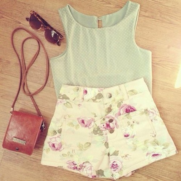 floral summer shorts flirty funky fun cute preppy light wash highwaisted shorts tank top