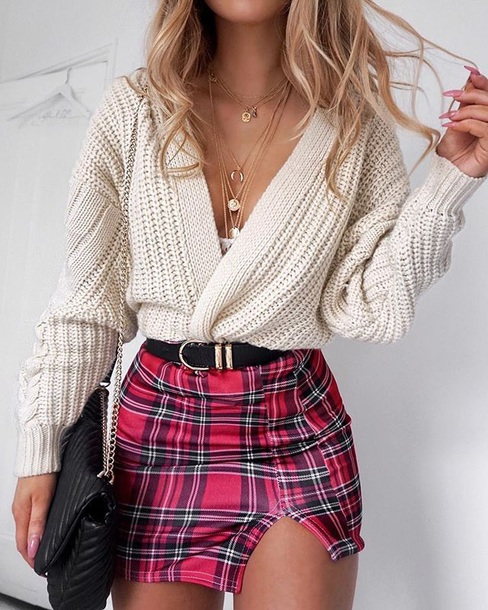 jewels gold necklace gold jewelry skirt belt bag necklace jewelry cardigan mini skirt tartan plaid skirt tartan skirt accessories Accessory