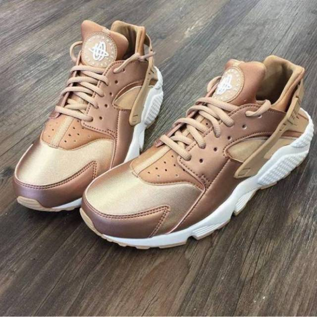 7c6a4c6a5ee5 Nike Air Huarache WMNS (Rose Gold)