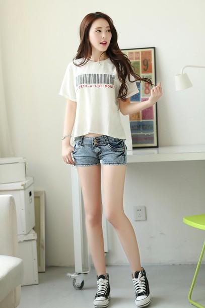 shorts t-shirt white t-shirt white denim denim shorts shoes jeans denim shorts fashion shirt cropped acid wash