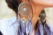 earrings,feathers,dreamcatcher,romantic,blue jewels,grey jewels,hippie,jewels,pink earrings,light pink