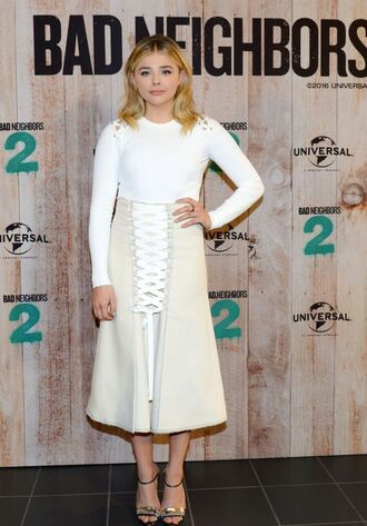 skirt top midi skirt sandals spring outfits lace up chloe grace moretz lace up skirt white top