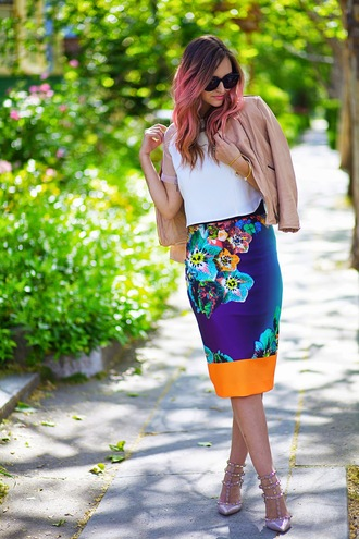 late afternoon skirt t-shirt jacket shoes sunglasses jewels
