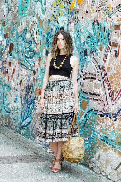skirt maxi skirt boho boho chic crop tops bag sandals shoes blogger summer outfits jewels necklace hippie orchid grey vintage hippie chic aztec native american pattern bracelets festival beach beaded
