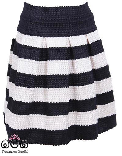 White&black skirt