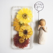 phone cover,iphone cover,iphone case,iphone 6s,iphone 6s plus,cute,handmade,cool,trendy,gift ideas,daisy,flowers,floral,design,love,kawaii,shabibisheep,samsung galaxy cases,iphone,accessories,valentines day gift idea,mothers day gift idea,holiday gift,real flowers,yellow