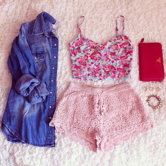 shirt lace shorts pink shorts floral bralet bustier denim shirt shorts crop tops outfit pink lace shorts pink courset red courset jean shirts tank top diy pants pink lace love pink flowers nice pretty love pink