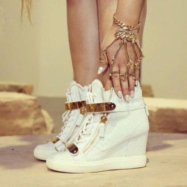 shoes heels gold vanille color beaitiful white sneakers cardigan hair accessory jewels