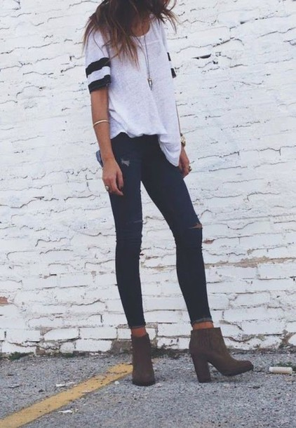 jeans shoes boaties heels brown ish t-shirt shirt top white and black shirt black jeans