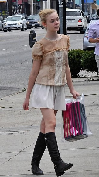 elle fanning black shoes black boots
