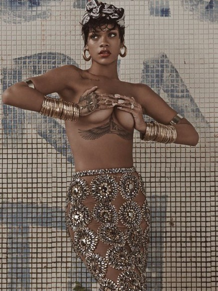 studs skirt rihanna gold
