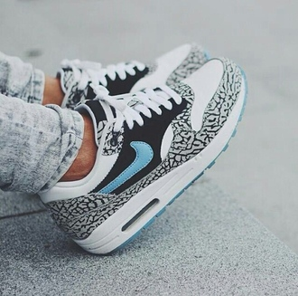 shoes air max safari nike sport shoes shoes nikes tribal print pattern sneakers perfect goodlooking swag cool blue nike air max nike air trainers womens nike shoes nike air force women print ari max leopard print woman shoes nike running shoes weheartit noir bleu blanc nike shoes blue color