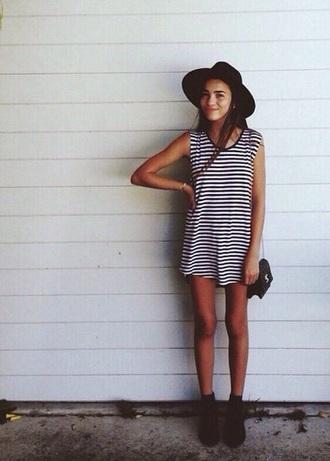 dress striped dress summee outfit tumbler