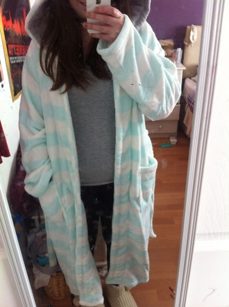 pajamas sleeping gown hood colorful cute comfy warm green white style slippers