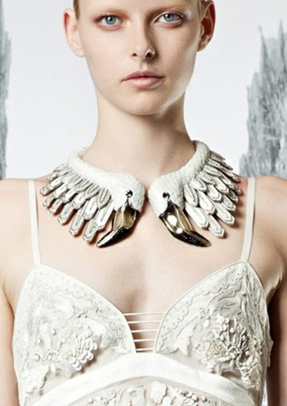 runway celebrity style jewels choker birds choker 2013 trend 2013 fashion necklace jewelry costume model fall 2013 modern party models urban outfitters fallfashion statement necklace crew neck luxury luxury brands luxury leather fashion jewelry celebrity jewelry