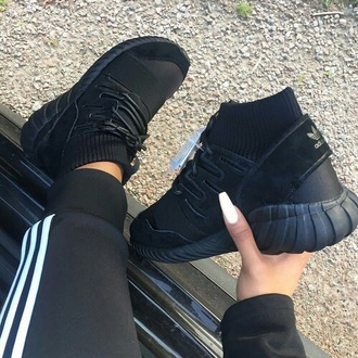 shoes sneakers tennis shoes black shoes adidas black adidas black tennis shoes black sneakers