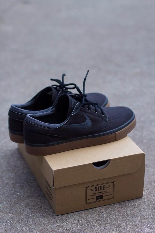 Nike SB Zoom Stefan Janoski Black, Anthracite, & Gum Canvas Shoe at Zumiez  : PDP