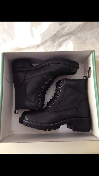 shoes black boots boots dope