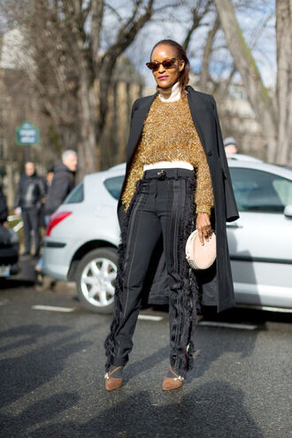 sweater pants coat sunglasses the haute pursuit pumps fashion week 2016 paris fashion week 2016 streetstyle
