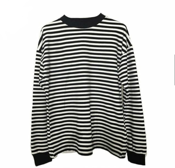 top white black long sleeves stripes