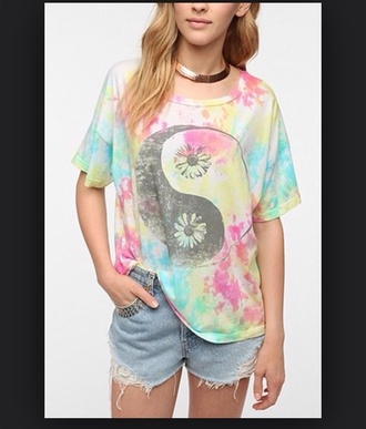 t-shirt oversized tie dye yin yang flowers shorts