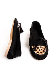 shoes,leather,black,leopard print,pony hair,suede,loafers,tassel,penny loafers,vintage,tassel loafers,skd,socks