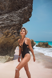 swimwear,black swimwear,one piece swimsuit,earrings,beach