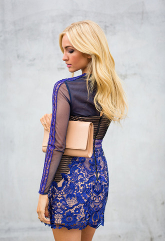 angel food blogger blue dress lace dress clutch blonde hair date outfit