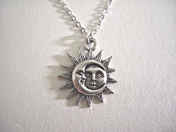 Argent de soleil et de lune Pewter Charm Necklace par JaspersDream
