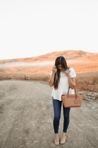 mint arrow blogger top jeans shoes bag