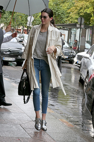 coat top trench coat kendall jenner jeans