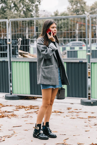 jacket blazer grey blazer skirt mini skirt denim denim skirt boots black boots ankle boots streetstyle