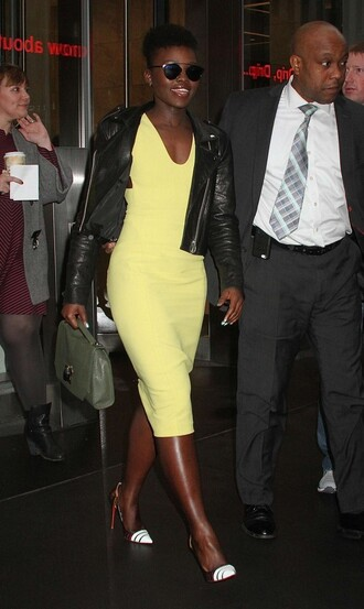 dress yellow yellow dress pumps midi dress biker jacket fall outfits lupita nyong'o
