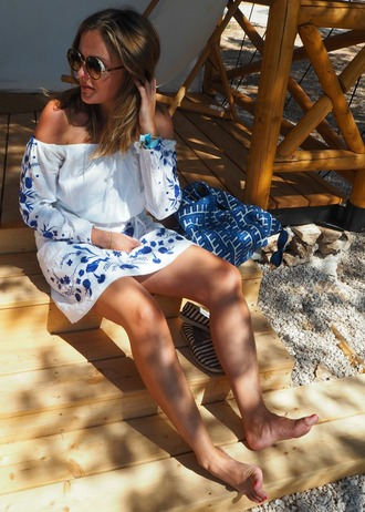 blogger dress white dress long sleeves off the shoulder floral dress summer dress mini dress round sunglasses