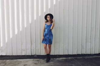 views of now blogger hat summer dress tie dye