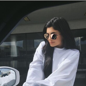 sweater kylie jenner white sweater oversized sweater sunglasses kardashians round sunglasses