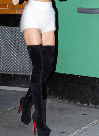 shorts miley cyrus white shoes fluffy