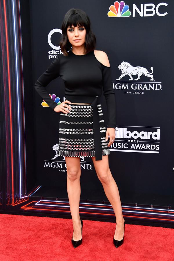 skirt mini skirt billboard music awards mila kunis pumps top asymmetrical red carpet dress