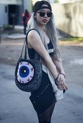 bag,interesting,alternative,authenticity,authentic,snapback,tights,grunge