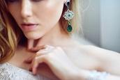 jewels,earrings,green,luxury,sparkle,silver,flowers,emerald green,diamonds