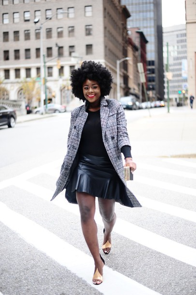 skinny hipster blogger make-up skirt coat shoes jewels fall outfits grey coat leather skirt sandals winter outfits