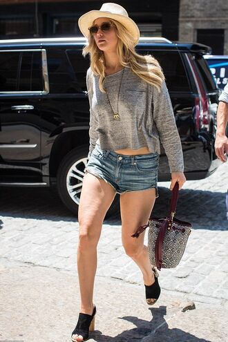 shorts top denim shorts jennifer lawrence sweater sandals sunglasses hat shoes bag