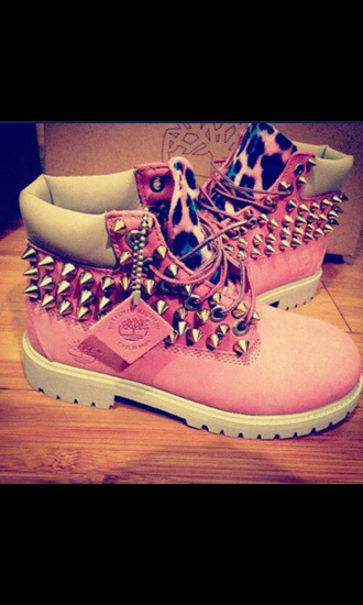 shoes pink cute spiked shoes sassy daze timberlands cheetah print lol badass amazing flawless