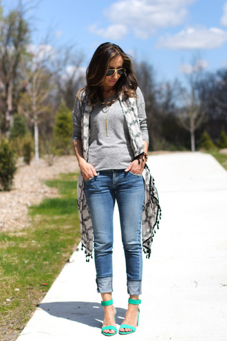 lilly's style blogger top jeans shoes bag sunglasses jewels scarf