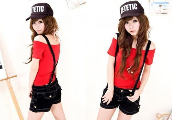shorts off the shoulder black t-shirt red cap hat korean