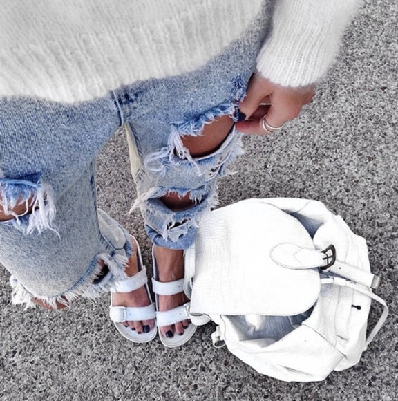 bag white bag shoes winter outfits sandals jeans